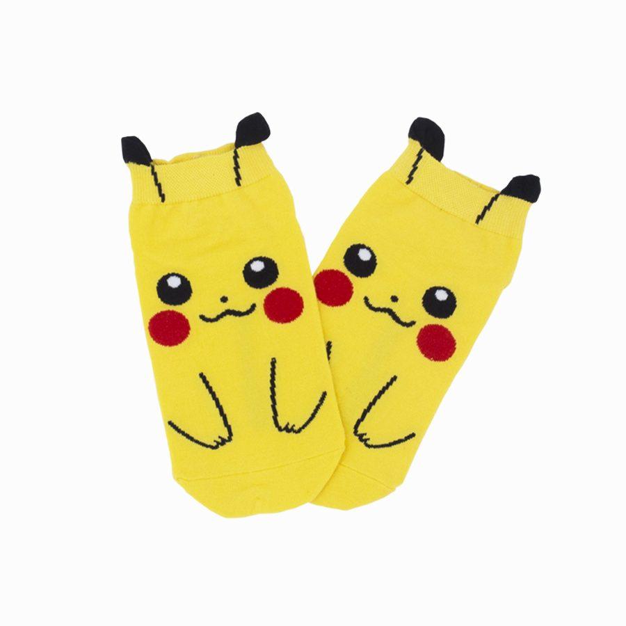 calcetines-pikachu-pokemon-plushandbits